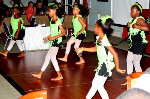 04-Girls-Dance-Green-500x333