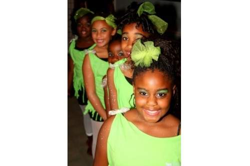 06-Girls-Ready-Green-500x333